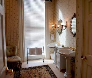 improving bathroom for resale picture3